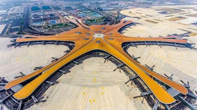 """สี จิ้นผิง ตัดริบบิ้นเปิด """"สนามบินต้าซิง"""" มูลค่า 4.5 แสนล้านหยวนในปักกิ่ง"""
