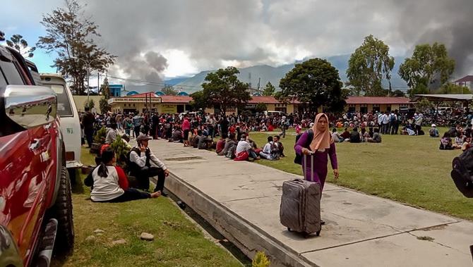 ชาวบ้านหลายพันแห่หนีเมืองปาปัวของอินโดฯ หลังสถานการณ์ความไม่สงบลุกลาม