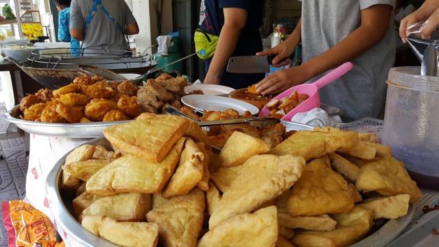 เริ่มแล้วเทศกาลกินเจศรีราชา โรงทานเปิดให้กินฟรีแล้ว ขณะที่อาหารเจไม่ขึ้นราคา