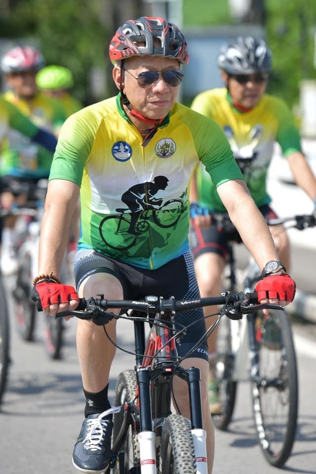รมว.พิพัฒน์ ปั่นจักรยานเพื่อประชาสัมพันธ์ เส้นทางการท่องเที่ยวเชิงสุขภาพ จังหวัดระนอง