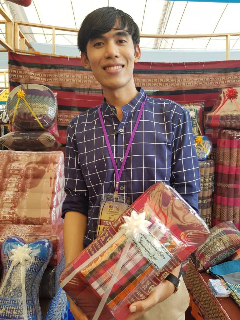 หมอนขิด  สินค้าภูมิปัญญาไทย  ที่ติดอันดับสินค้าโดนใจ ต่างชาติ