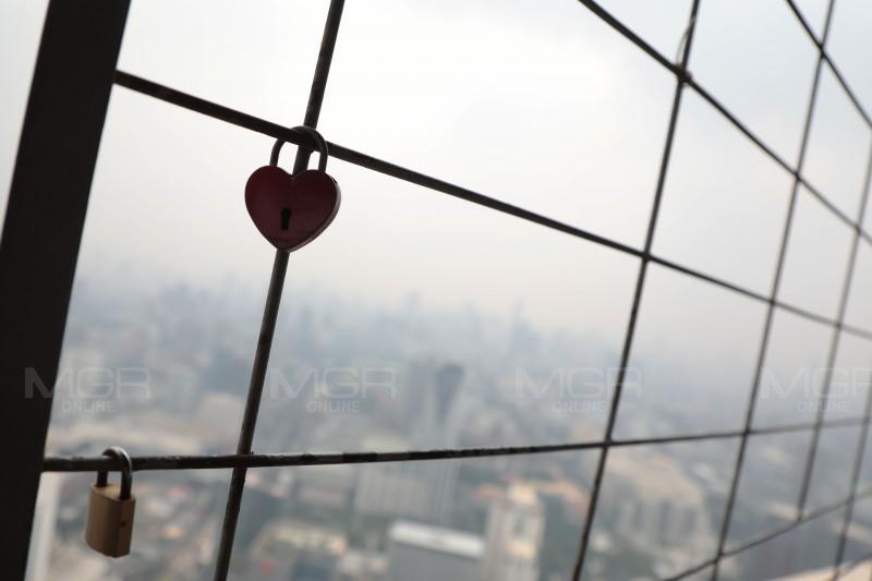 """ประมวลภาพ : """"ท้องฟ้า"""" กทม.ปกคลุมด้วย ฝุ่นละออง PM 2.5"""