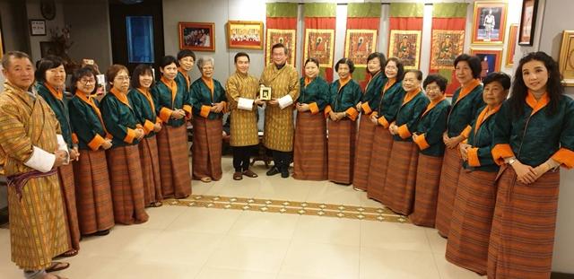 ทิพยฯ-มูลนิธิธรรมดี ดูงานเศรษฐกิจพอเพียง ภูฏาน