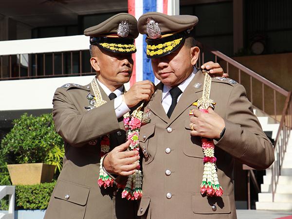 ตำรวจภูธร จ.ยะลา จัดพิธีส่งมอบหน้าที่ผู้บังคับการตำรวจภูธร จ.ยะลา
