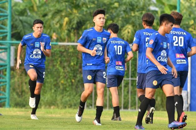 """""""ช้างศึก U19"""" เตรียมลุย GSB Cup """"ลีออน"""" ปลื้มคัมแบ็คทีมชาติ"""