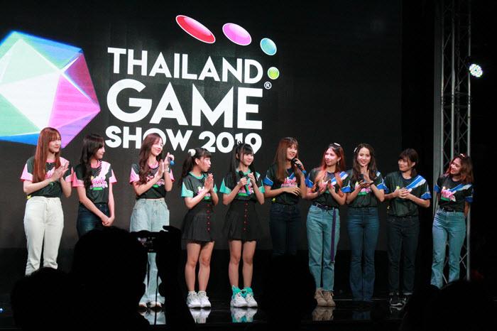 Idol Gaming Challenge แมตช์พิเศษระหว่าง Sweat16!, Siam Dream และ CM Cafe