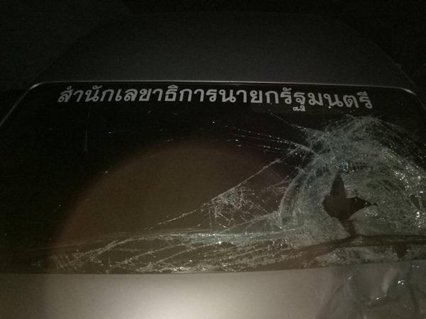 จยย.เสียหลักเซมาเฉี่ยว รถตู้สำนักเลขาธิการนายกรัฐมนตรี ดับ2 ราย
