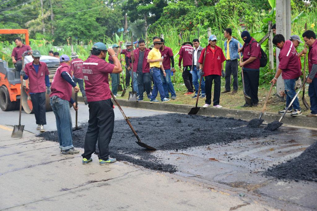 กทม.เร่งลอกท่อ-ซ่อมถนน ซอยรามคำแหง 21 บรรเทาความเดือดร้อน