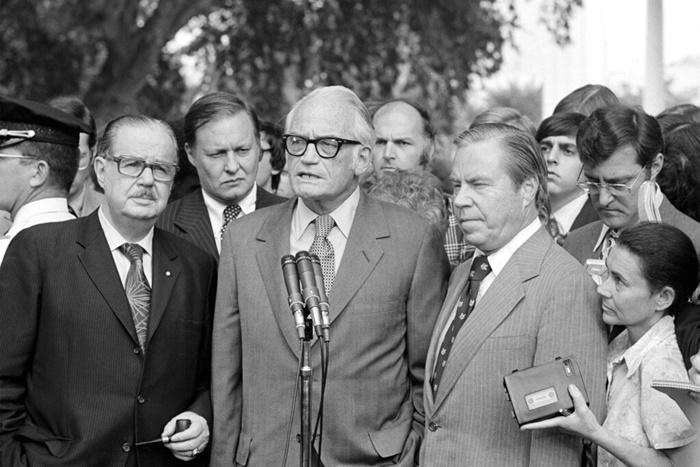 คอลัมน์นอกหน้าต่าง: ผู้นำรีพับลิกันเคยทำให้ 'ริชาร์ด นิกสัน' ยอมอำลาตำแหน่งในปี 1974  แต่เรื่องเช่นนี้ยากที่จะเกิดกับ 'โดนัลด์ ทรัมป์'