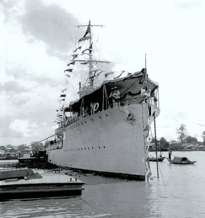 เรือหลวงพระร่วงที่ท่าราชวรดิฐ