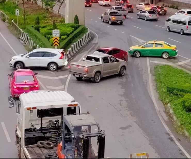 สังคมถดถอย ? รุมประณามขับรถย้อนศร ชี้ คนไทยเห็นแก่ตัว กฎหมายหย่อนยาน