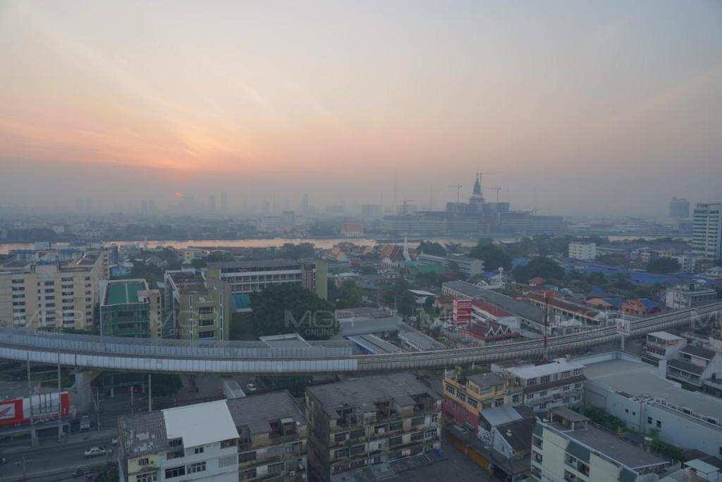 คพ. ตรวจพบค่าฝุ่น PM 2.5 กทม. เกินมาตรฐาน 2 จุด เผย ช่วงนี้ไทยอากาศแปรปรวน อาจเกิดฝุ่นสะสมเพิ่มขึ้น