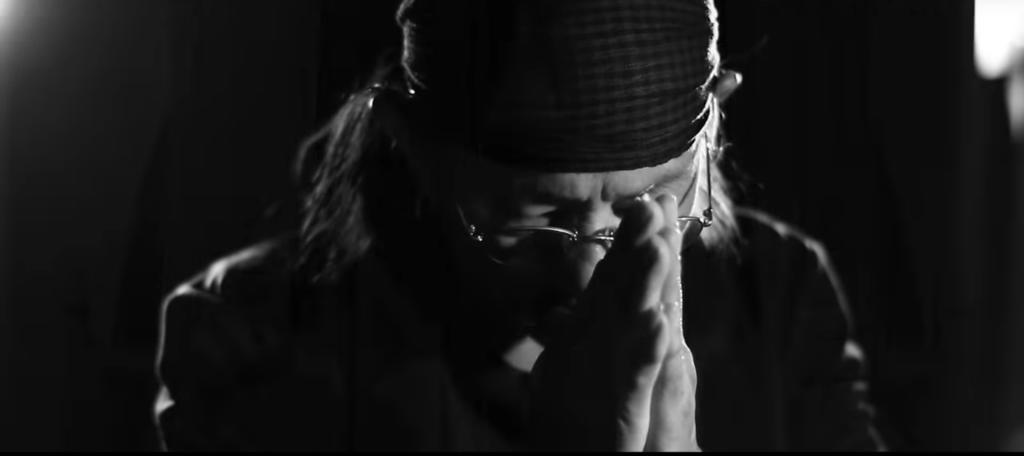 """9 บทเพลงแด่ """"พ่อของแผ่นดิน"""" จาก """"แอ๊ด คาราบาว"""" ไพเราะสุดเศร้าใจ น้ำตาไหลทุกครั้งที่ได้ฟัง"""