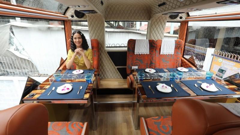 """""""รถเมล์"""" พาทัวร์ Thai Bus Food Tour บริการนำเที่ยวหนึ่งเดียวในไทย ชมเมืองกรุงพร้อมทานอาหารไทยระดัชมิชลิน"""
