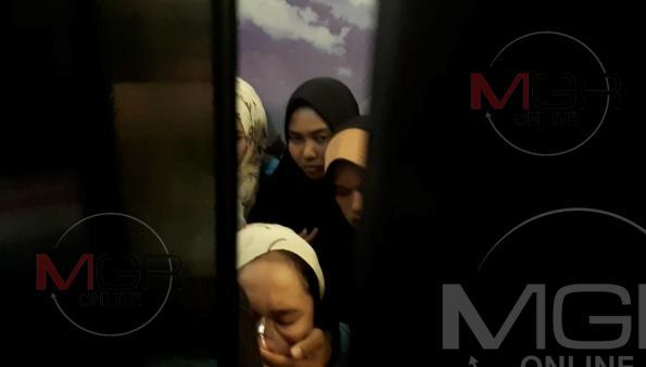 ระทึก!12 นร.สังคมอิสลามสงขลา ติดลิฟท์คอนโดฯกลางเมืองลำปางจนหมดสติ 4 กู้ภัยฯงัดช่วยกันวุ่น