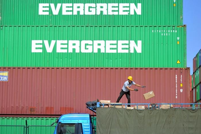 'พิษสงครามการค้า'ทำยอดนำเข้า-ส่งออกจีนทรุดแรงเกินคาด   สิงคโปร์ก็ต้องงัดมาตรการการเงินปั๊มเศรษฐกิจ