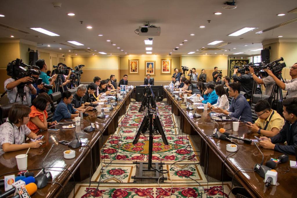 """ภาพบรรยากาศงานแถลงข่าว แคมเปญ """"ร้อยเดียวเที่ยวทั่วไทย""""- """"เที่ยววันธรรมดาราคาช็อกโลก"""""""