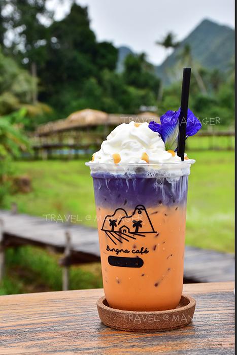 ชาไทยอัญชัญเย็น