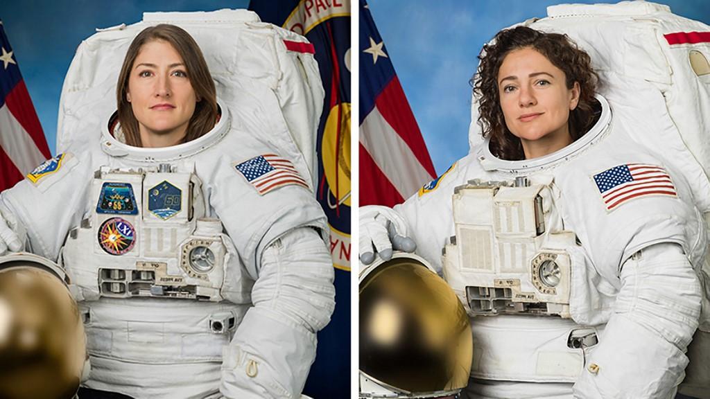 คริสตินา คอช (ซ้าย) และ เจสสิกา ไมร์ (ขวา) ร่วมสร้างประวัติศาสตร์เดินอวกาศโดยใช้ผู้หญิงทั้งหมดเป็นครั้งแรกเมื่อ 18 ต.ค.2019  (HO / NASA / AFP)