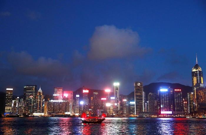 จีดีพีของฮ่องกงชะงักงัน ขณะที่ กว่างโจว และสิงคโปร์ พุ่งแซงหน้าไปแล้ว