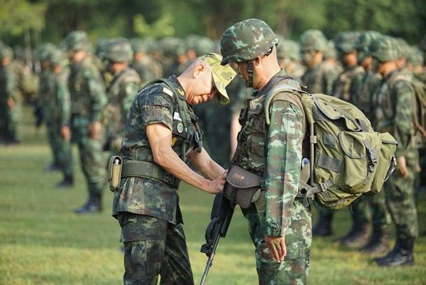 ผบ.ทบ.ตรวจเยี่ยมการเสริมสร้างหน่วยพร้อมรบเคลื่อนที่เร็ว RDF ของกองทัพภาคที่ 1