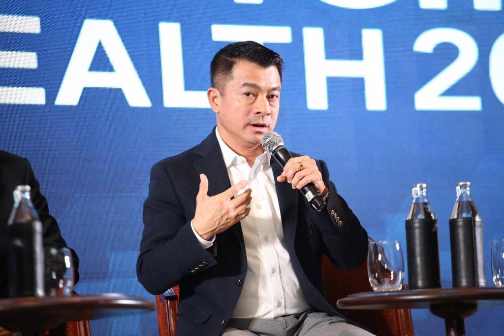 พ.อ.เศรษฐพงค์ มะลิสุวรรณ ส.ส.บัญชีรายชื่อ พรรคภูมิใจไทย ในฐานะรองประธานคณะกรรมาธิการสื่อสารโทรคมนาคม และดิจิทัลเพื่อเศรษฐกิจและสังคม (กมธ.ดีอีเอส) สภาผู้แทนราษฎร