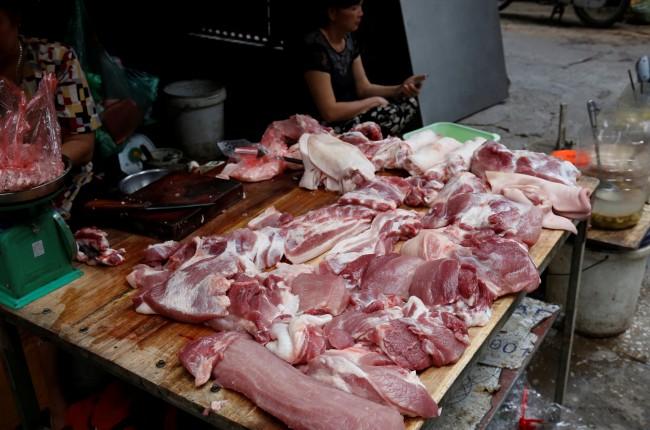เนื้อหมูนำเข้าทะลักตลาดเวียดนามหลังโรคระบาดทำหมูในประเทศลดฮวบ