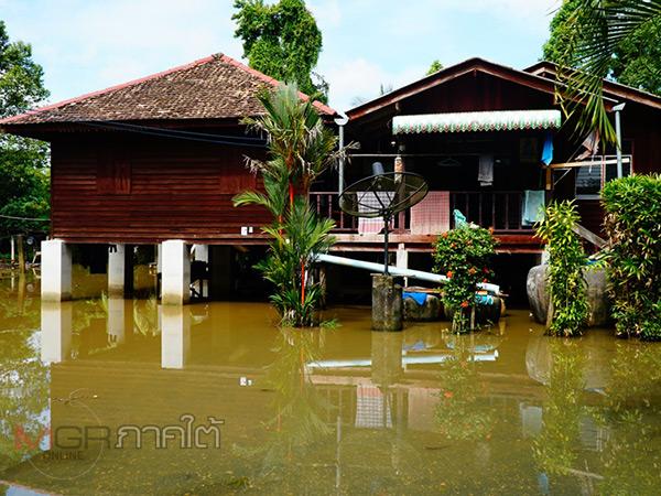 พัทลุงฝนตกหลายวันส่งผลเกิดน้ำท่วมขังในพื้นที่อำเภอควนขนุน