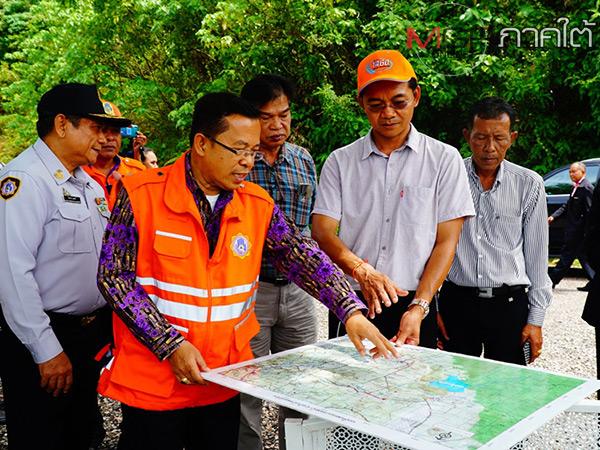 ผวจ.พัทลุงลงตรวจสภาพน้ำอ่างเก็บน้ำพร้อมรับน้ำฝนที่ตกเหนืออ่างเพื่อป้องกันน้ำท่วม