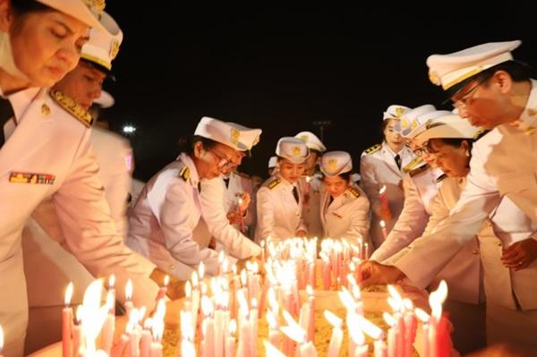 พสกนิกรชาวไทยในหลายพื้นที่ ร่วมจุดเทียนน้อมรำลึก ในวันปิยะมหาราช