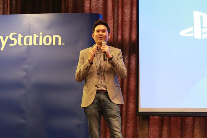 คุณมานพ พาหิระ ผู้จัดการอาวุโสฝ่ายการตลาด โซนี่ ประเทศไทย