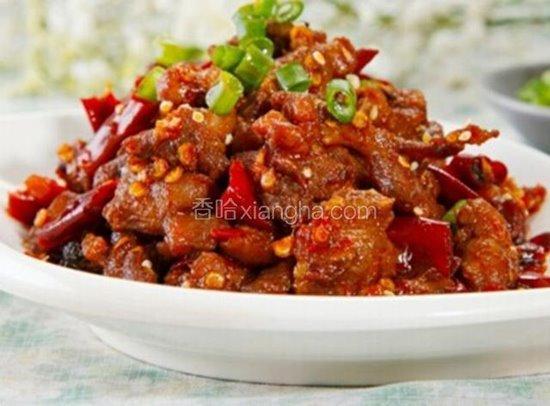ไก่ผัดเปรี้ยวหวานใส่พริกแห้งชวงเจีย ขอบตุณภาพจาก https://www.xiangha.com/techan/50788.html