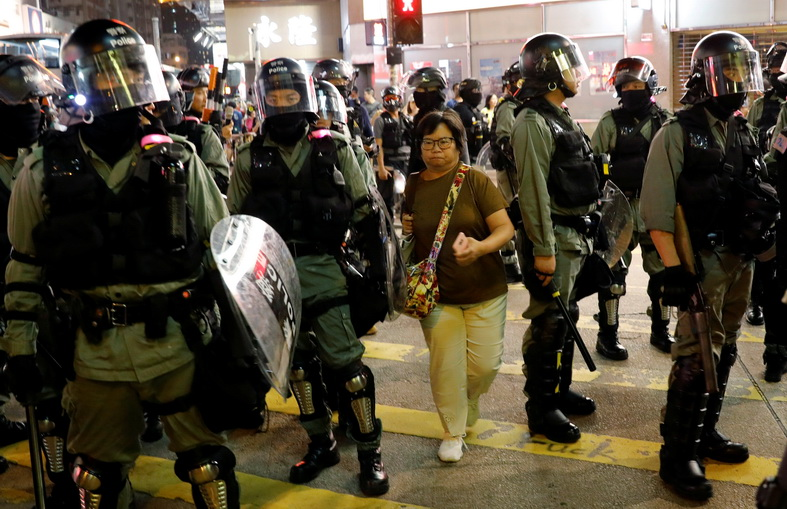 ศาลฮ่องกงสั่งห้ามเผยแพร่ข้อมูล 'ตำรวจ-ครอบครัว' ลงสื่อออนไลน์