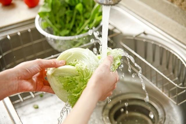 ล้างผักผลไม้ยังไง! ให้สะอาด ไร้สารเคมีตกค้าง