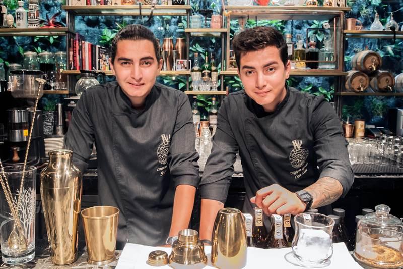 ดื่มด่ำค็อกเทลรสเลิศจาก คู่แฝดมิกโซโลจิสต์หนุ่มไฟแรงชาวตุรกี ณ เดอะ ลอง บาร์