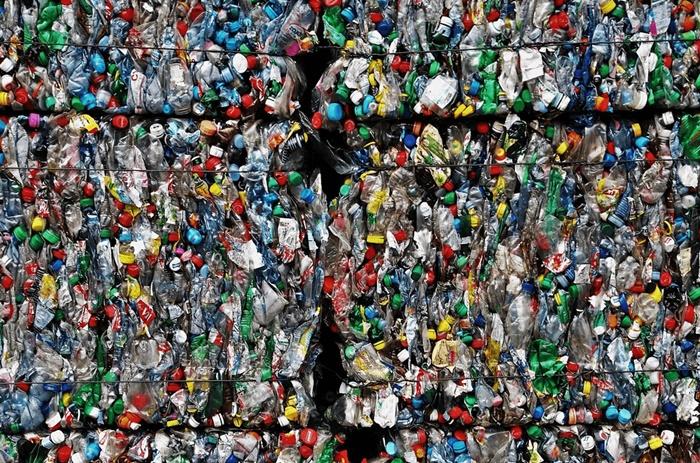 """พลาสติกรีไซเคิลเติบโตสูง """"ไอวีแอล""""จับมือ2สตาร์ทอัพระดับโลกเร่งทลายข้อจำกัด """"PETสี"""""""