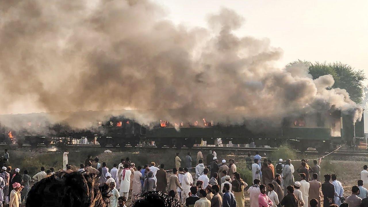 ไฟไหม้ขบวนรถไฟปากีสถาน ตายอย่างน้อย 65 ราย