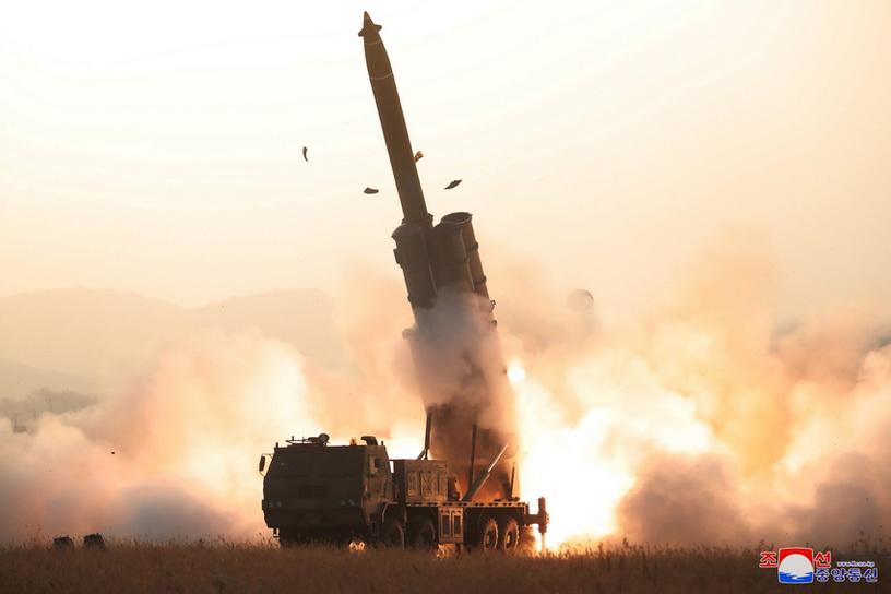 เกาหลีเหนือประสบความสำเร็จในการทดสอบ 'จรวดหลายลำกล้อง' ขนาดยักษ์