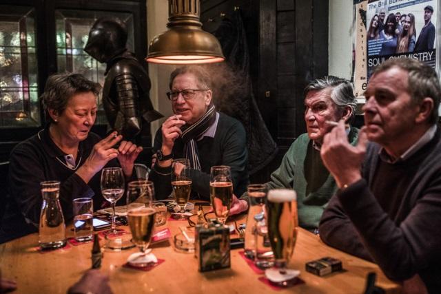 """ออสเตรียเริ่มบังคับใช้ """"กฎหมายห้ามสูบบุหรี่"""" ในบาร์-ร้านอาหาร"""