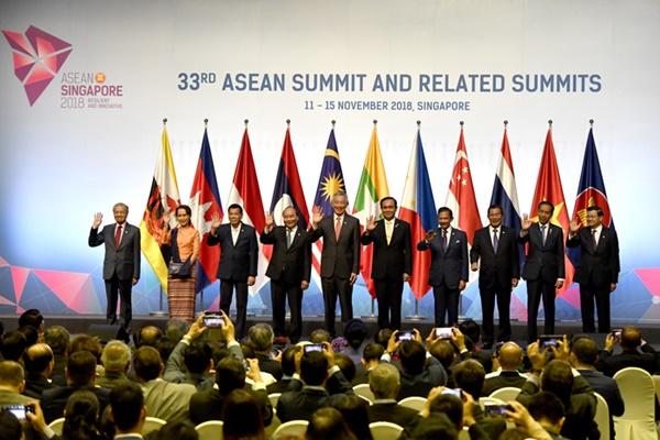 การประชุมสุดยอดผู้นำอาเซียนที่กรุงเทพฯ เวลานี้ก็มีข่าวแจ้งเตือนให้ระวังความเชื่อมโยงกับไฟใต้ (แฟ้มภาพ)