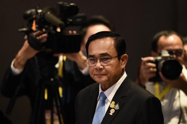 'นายกฯลุงตู่' ดับฝัน 'สม รังสี' บอกไม่อนุญาตให้ใช้ไทยเป็นทางผ่านกลับเข้าเขมร