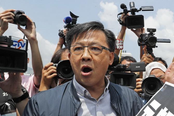 'ปักกิ่ง'สำทับขุดรากแก้ปัญหา'ฮ่องกง' สมาชิกสภาฝ่ายโปรจีนถูกแทงเลือดสาด