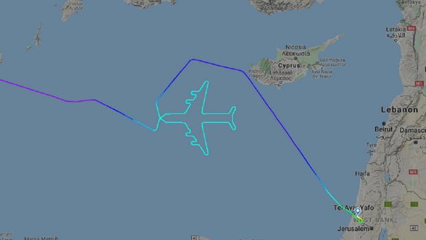 เจ๋ง!กัปตันโบอิ้ง747บินวนเป็นรูปเครื่องบิน ในเที่ยวสุดท้ายก่อนปลดระวาง(ชมคลิป)