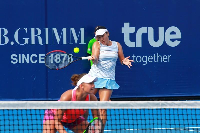 """""""แทมมี่"""" ควงสาวดัตช์เข้าชิงหญิงคู่ เทนนิสแคล-คอมพ์ฯ"""
