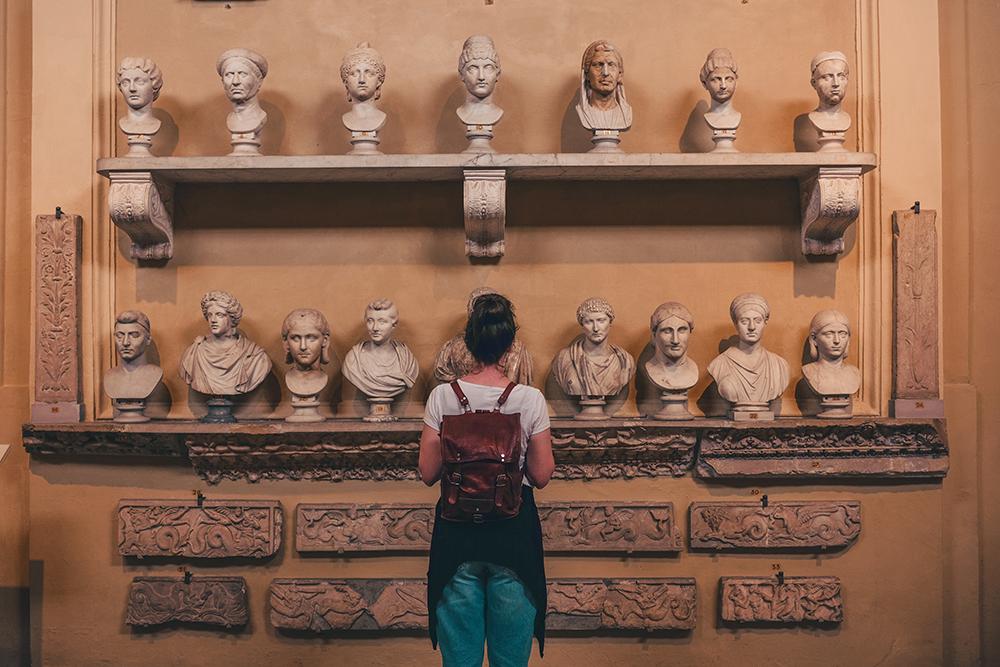 สัมผัสเมืองแห่งประวัติศาสตร์ที่กรุงโรม (ภาพ : Booking.com โดย Cristina Gottardi on Unsplash)