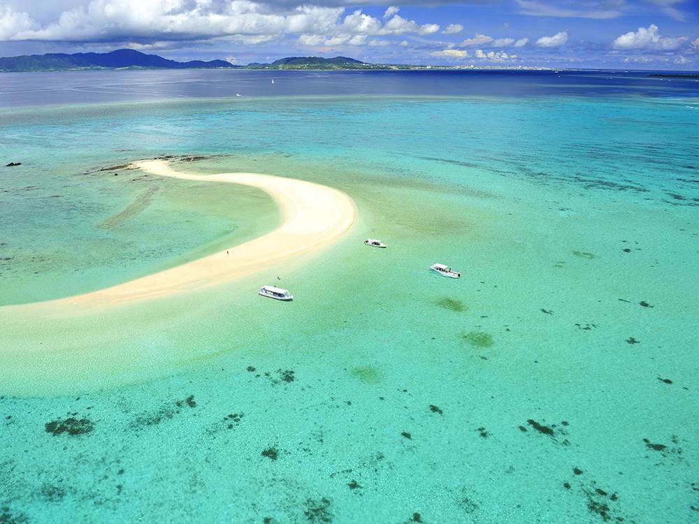 บรรยากาศท้องทะเลแห่งที่พัก Haimarubushi (ภาพ : Booking.com)
