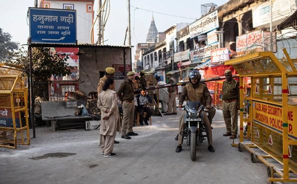 "In Clip: ศาลสูงสุดอินเดียสั่ง ""ยกที่ดินพิพาท"" เคยถูกม็อบฮินดูชาตินิยมบุกทำลาย ""มัสยิดอายุ 460 ปี"" ให้ตกเป็นของฝั่งฮินดู"