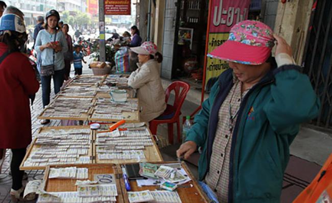 กองสลากฯปลุกคนไทยไม่ซื้อลอตเตอรี่เกินราคา ระดมดารา-นักร้องรณรงค์ในกทม.-ตจว.