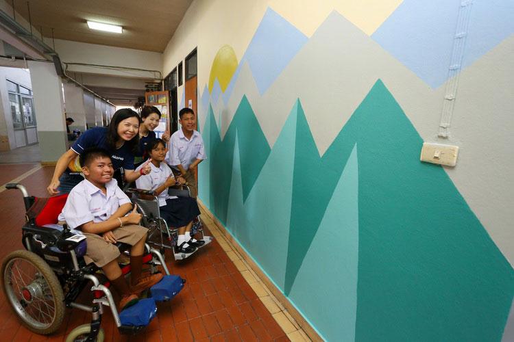 """""""ดูลักซ์""""แต้มรอยยิ้มให้น้องด้วยสีแห่งปี 2020 สร้างความสดใสรับเปิดเทอมให้โรงเรียนศรีสังวาลย์"""