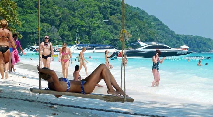 เกาะตาชัยเมื่อมีนักท่องเที่ยวมากจนล้นเกาะ ปัญหาลูกโซ่อื่น ๆ ก็ตามมา